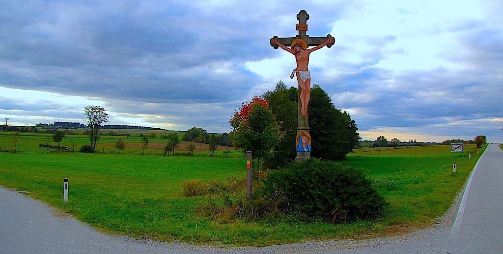 Hochkreuz am westlichen Ende von Großkainraths bei Echsenbach