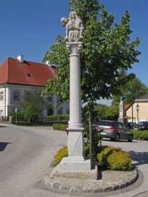 Pietà-Säule