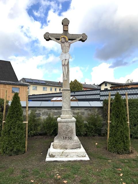 Friedhofskreuz (48.838140, 15.134054)